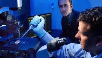 Może niedługo roboty będą kontrolować bakterie!