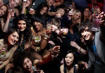 Le vendite all'ingrosso e al dettaglio di bevande alcoliche: le condizioni per l'ottenimento di una licenza