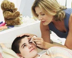 Que faire si un enfant a une conjonctivite: traitement, les symptômes et les causes de