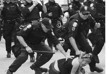 Regimi politici totalitari e autoritari, i loro segni e le loro differenze
