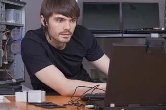 Spécificité du travail et le salaire du programmeur
