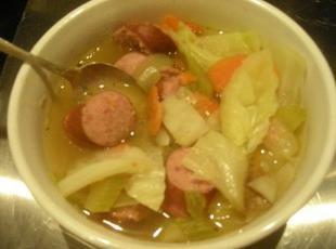 Jak ugotować zupę z kiełbasy?