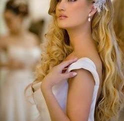 Des coiffures de mariage pour cheveux longs en vrac