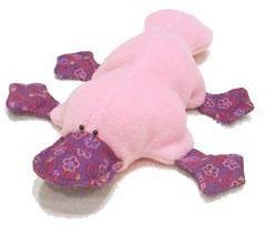 Platypus – un peluche. Con le mani e modelli di cucito – è solo