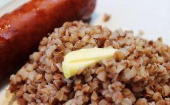 Sarrasin avec des saucisses: la recette classique