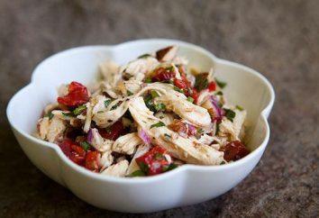 Salades avec le poivre bulgare, poulet – au goût le plus raffiné