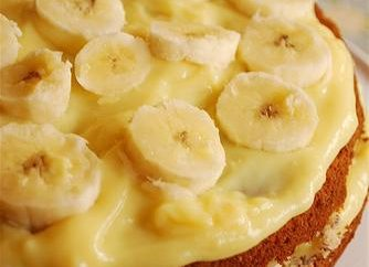 Jak gotować ciasto bananowe z kawałkami świeżych owoców