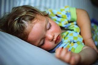 ¿Debo preocuparme si en un niño sueño sudoración fuerte?