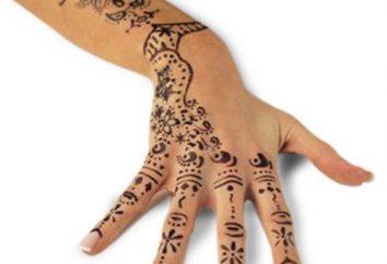 Ile trzymać tatuaże henną? Odpowiedź jest!