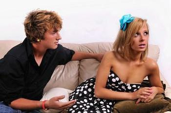 Como se comportar com uma menina em diferentes situações?