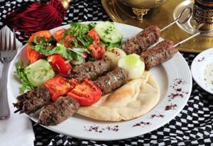 Kebab en la parrilla, receta de cocina