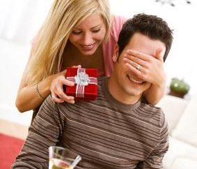 Jak pogratulować ukochanej z okazji urodzin? Porady i pomysły