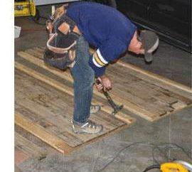 Podłoga w garażu. Jak wybrać betonu lub drewna? technologia budowy