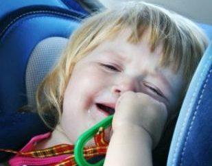 Objawy przegrzania na słońcu u dzieci. Leczenie, profilaktyka