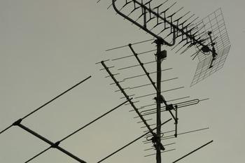Antena telewizyjna z własnymi rękami – prosta i niedroga