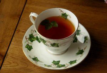 Gesund und lecker Tee aus den Blättern von Johannisbeeren