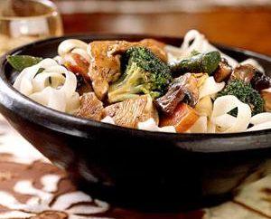 Huhn mit Gemüse: Rezepte und Kochtechniken