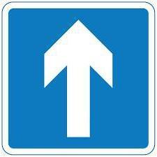 """Il segno """"di traffico a senso unico."""" un segno per """"il traffico a senso unico"""""""