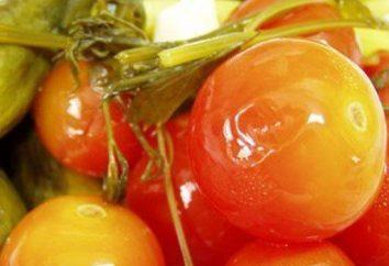 tomates em conserva em um pote para o inverno. Receita em conserva tomates verdes em uma panela