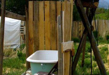 doccia esterna in legno al cottage