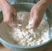 Prepare bolo delicioso Páscoa em multivarka