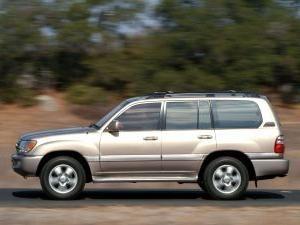 Land Cruiser 100 – praktyczny SUV dla mieszkańców naszego kraju