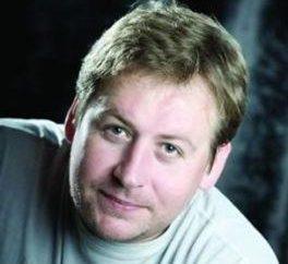 Stanislav Duzhnikov: Biographie hartnäckige Person