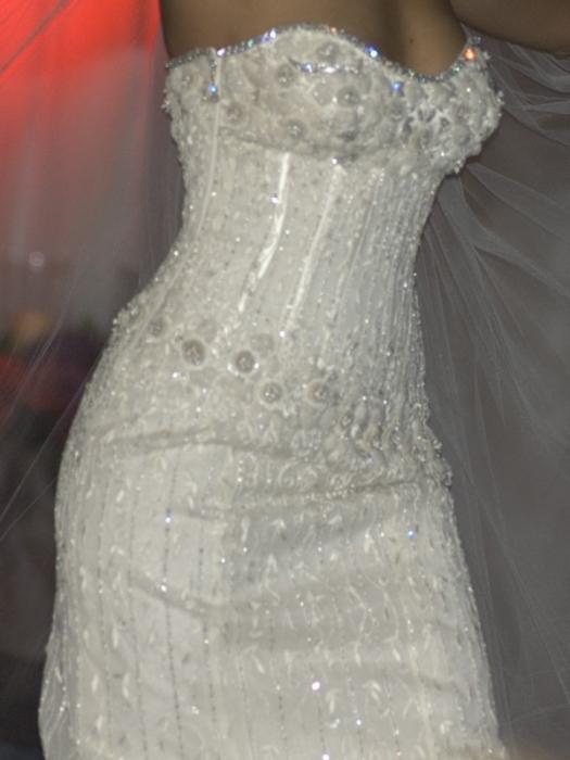 Was ist das teuerste Kleid der Welt? Studieren Mode Launen