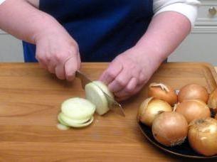 Jak gotować cebulę w cieście?