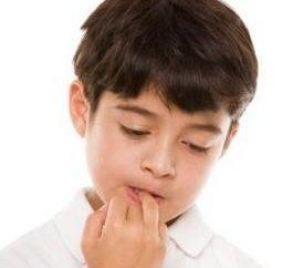 Dlaczego dzieci gryzą paznokcie: przyczyny i sposoby walki z przyzwyczajenia
