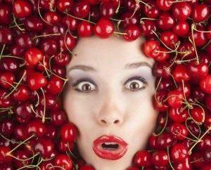 ¿Qué vitaminas en cereza dulce son más útiles para la salud de la mujer?
