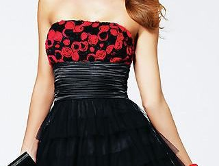 vestido de negro con rojo: descripción, las mezclas de modelo y comentarios