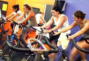 Entrenamiento de intervalo en una bicicleta de ejercicio para la pérdida de peso efectiva