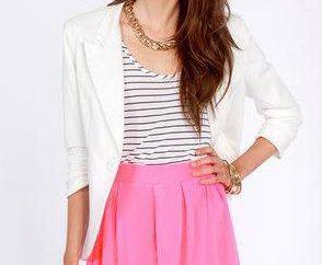 Różowa spódnica: co jest najlepsze do noszenia?