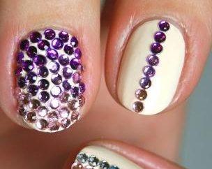 Strass sulle unghie: è veramente bello