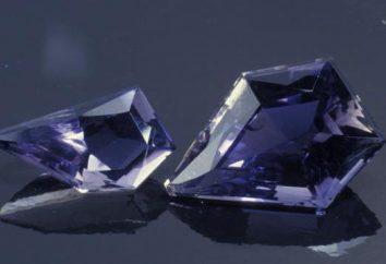 Iolite (pierre): propriétés magiques, intéressé, décorer avec Iolite