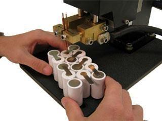 Spot spawania dla akumulatorów o swoich rąk: instrukcje