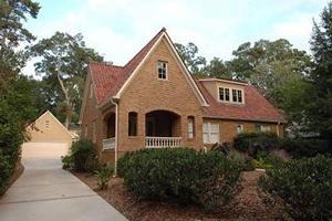 Que doit faire une maison moderne avec un loft?