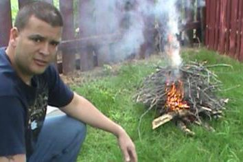 Instrukcje: jak zrobić ogień. Gdzie można rozpalić ogień w lesie. Jak rozpalić ogień bez zapałek