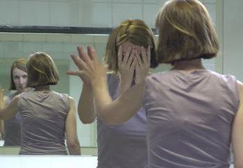Che cosa significa se il sogno di vedere se stesso nello specchio?