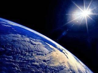 Perché il pianeta Terra è chiamato il blu? È vero?