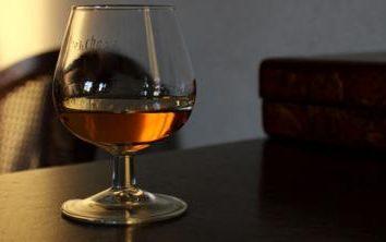 Cognac XO, VS, VSOP. Die Entzifferung der geheimnisvollen Buchstaben