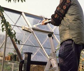 Comment et quel processus l'automne polycarbonate à effet de serre
