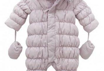 macacões quentes e leves das crianças sobre uma pele de carneiro – proteção confiável nos dias frios