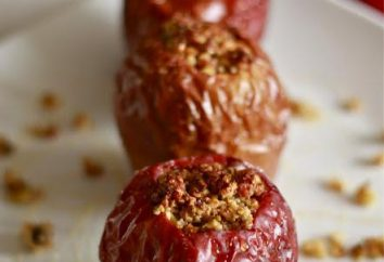 Słodkie jabłka, pieczone w piekarniku z miodem, rodzynkami i orzechami