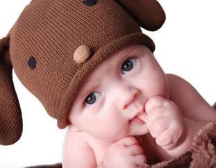 Comment désactiver un enfant pour sucer rapidement un doigt: conseils