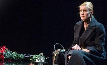 "performance ""Joan"". Teatr Narodów. Historia kobiet"