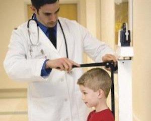 Quel devrait être le rapport entre la hauteur et le poids chez les enfants