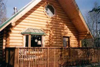 casa de un solo piso cálido y confiable de una barra