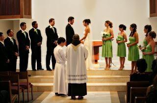 Spannende und respektvolle Frage Zeugen bei der Hochzeit